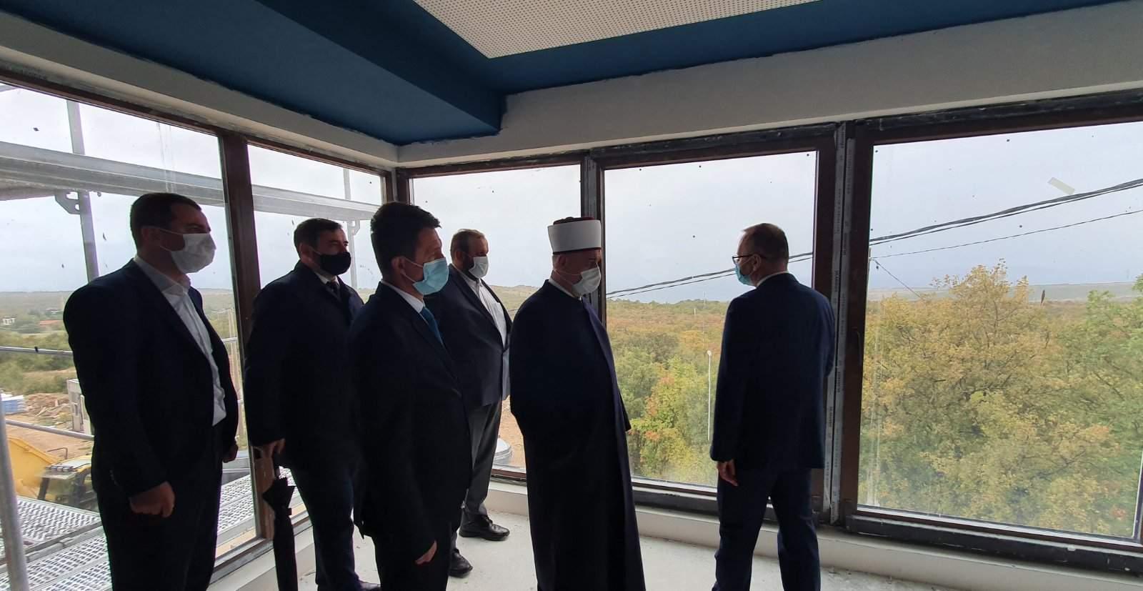 viber_slika_2020-10-25_10-40-13.jpg - Tokom posjete prvom Centru za stare osobe IZ-e u BiH reisu-l-ulema Kavazović uputio punu podršku MIZ Mostar