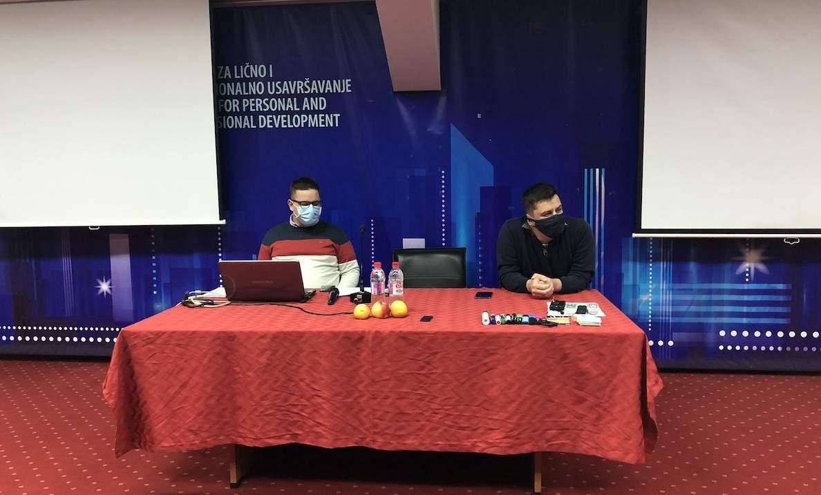 IMG_5724.JPG - Seminar