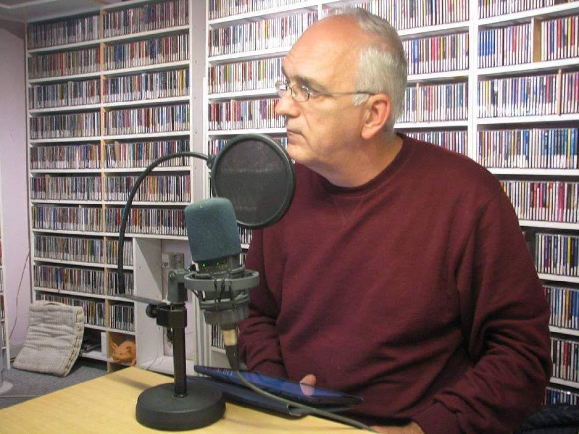 bh-radio-odense-danska Mensur Graca.jpg - Mediji čuvaju bosanski jezik u dijaspori i domovinskim zemljama