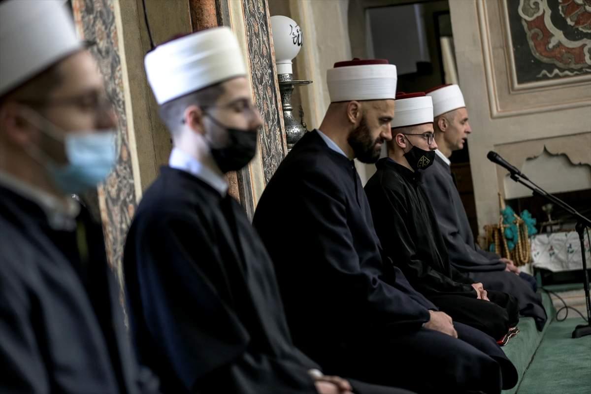 20210413_2_47802948_64223374_Web.jpg - Hafiska mukabela u sarajevskoj džamiji Ferhadija nakon pauze od 30 godina