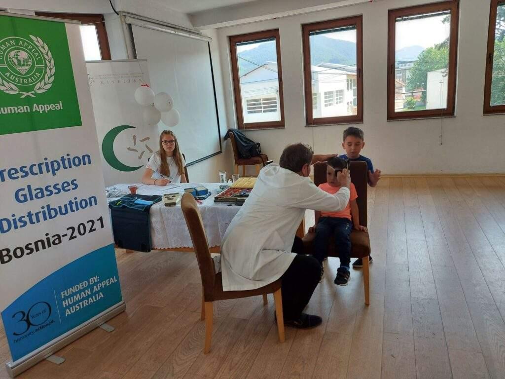 19-40-05-IMG-edacf73768d78747fd35613ab91d64da-V-1024x768.jpg - MIZ Kiseljak: Preventivni oftamološki pregled za mektebske polaznike i starije osobe