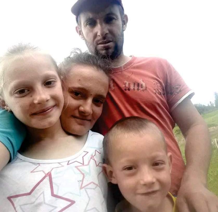 Fadil Jusufović s porodicom.jpg - Islamska zajednica u središtu društva – od povratnika do društveno korisnih ustanova i organizacija